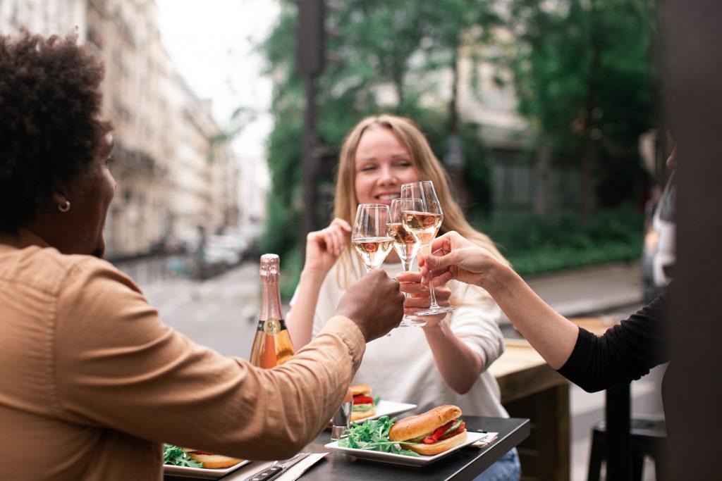 2. Café de Paris